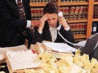 Неудачи на работе все  чаще приводят к самоубийствам